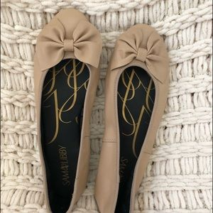 Sam and Libby tan bow flats 8 1/2. Brand New